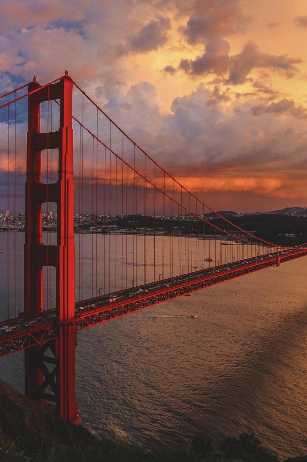 golden gate bridge clouds sunset