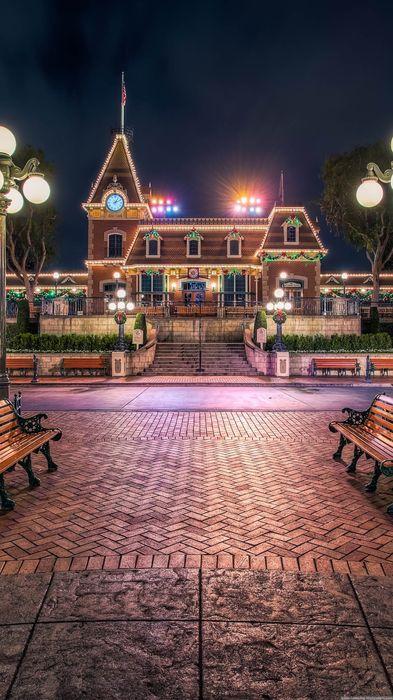 christmas street lights house 1080x1920