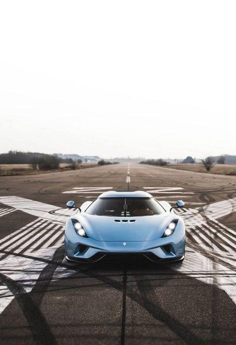 koenigsegg regera supercar runway