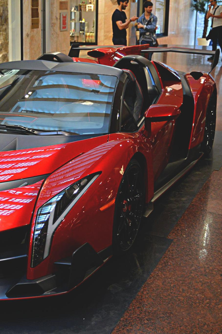 lamborghini veneno roadster red