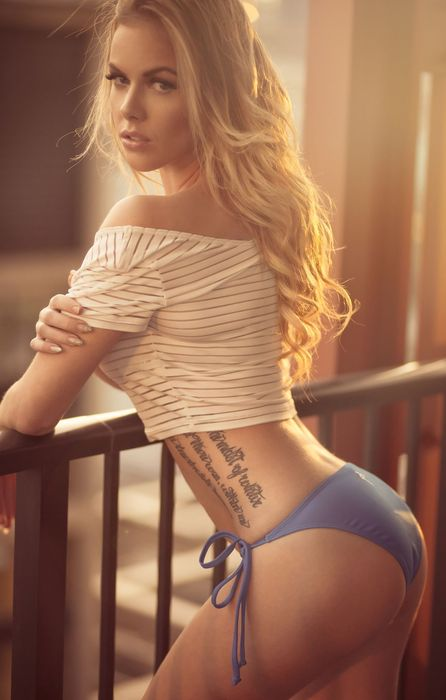 girl pretty balcony photographer jason harynuk retina