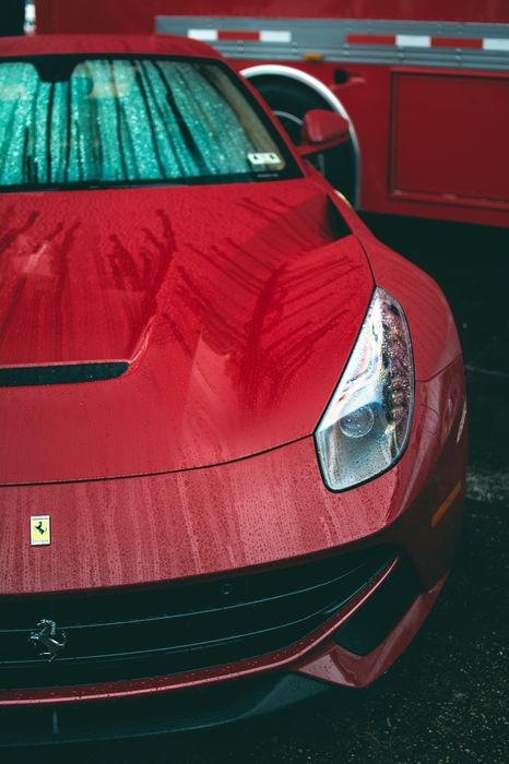 rain ferrari f12 red berlinetta 1280x1920