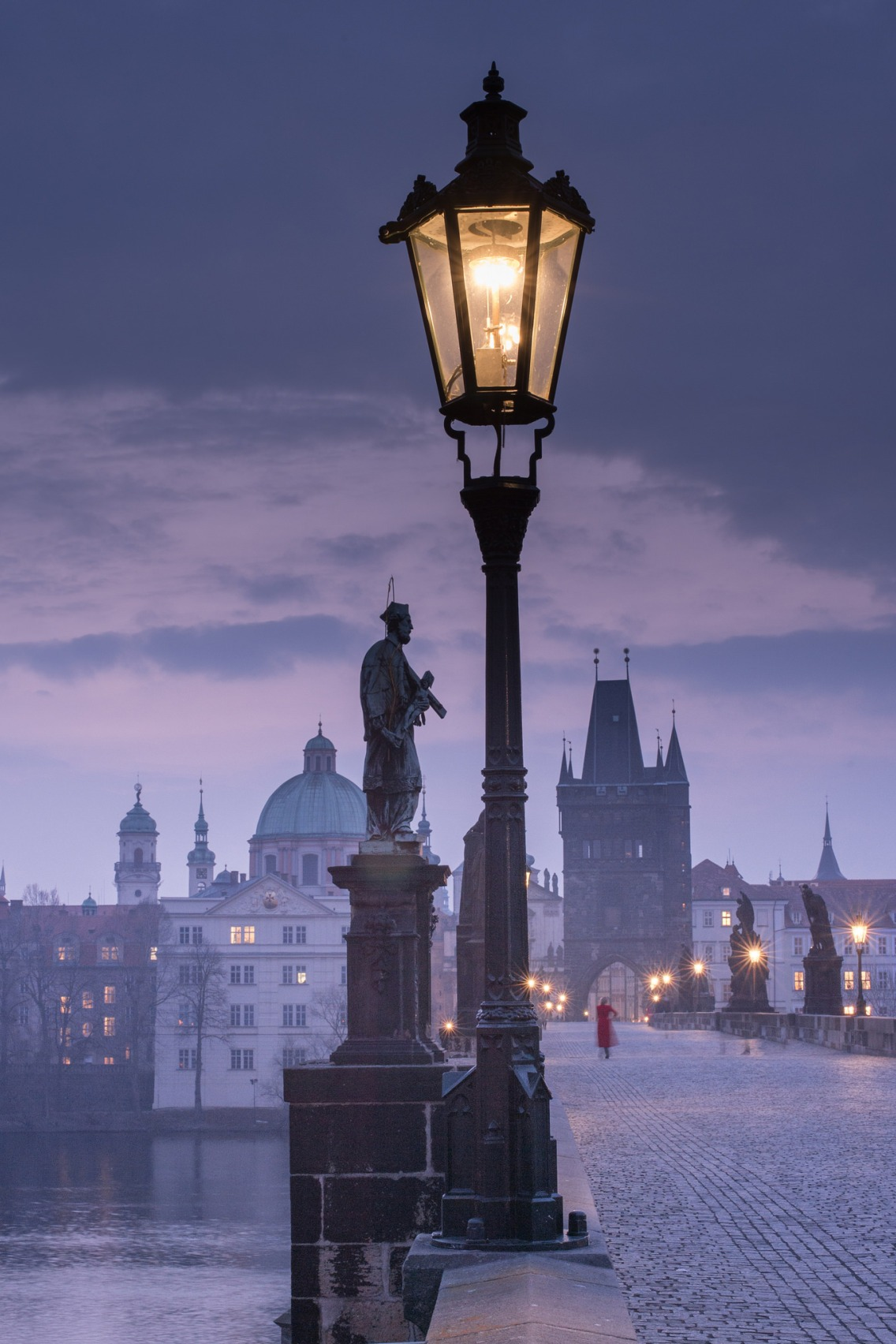 prague night brigde atmosphere light street