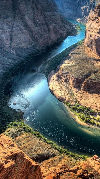 horseshoe bend in arizona river iphone