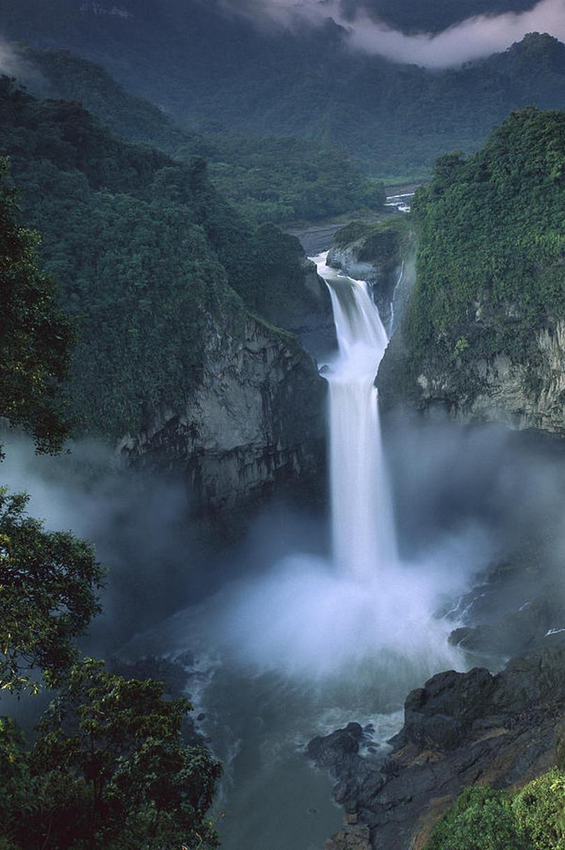 san rafael falls quijos river