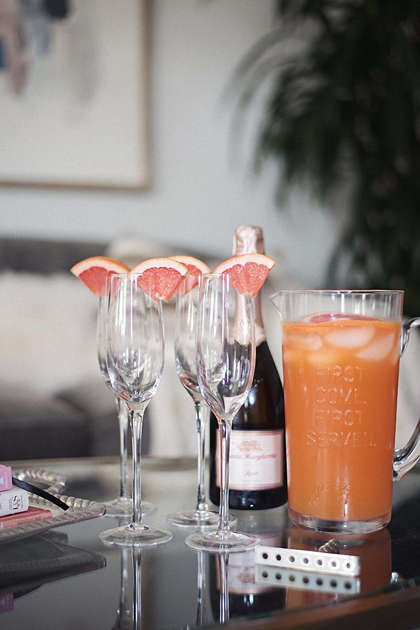 fresh juice grapefruit glass table