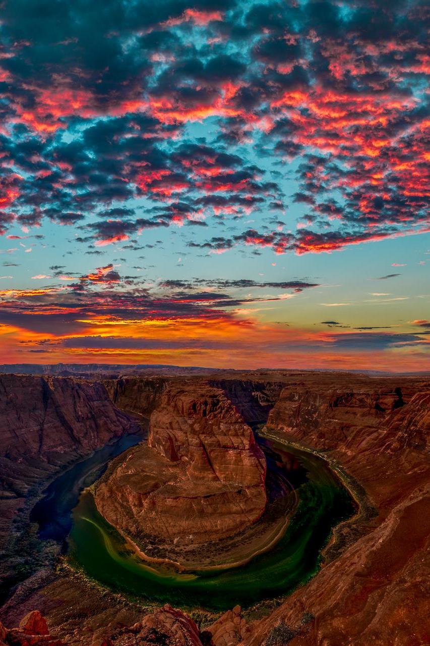 horseshoe bend glen canyon usa sunset