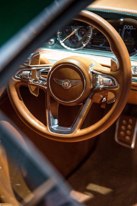 sportcar bentley exp10 concept interior