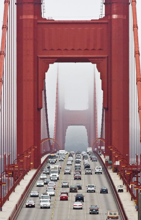 golden gate bridge close up