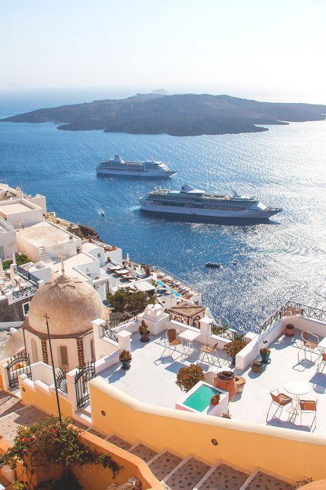 santorini ships sun sea