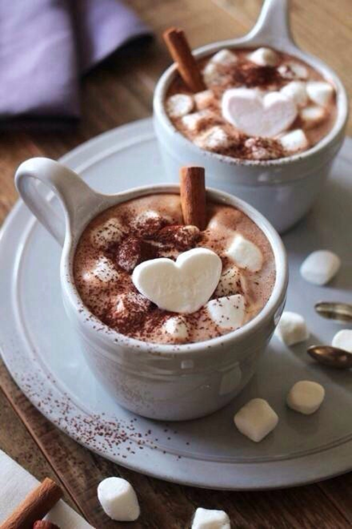 cups hot chocolate hearts marshmallow