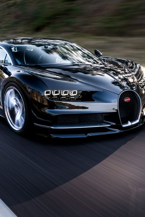 chiron bugatti motion race reflection black wallpaper