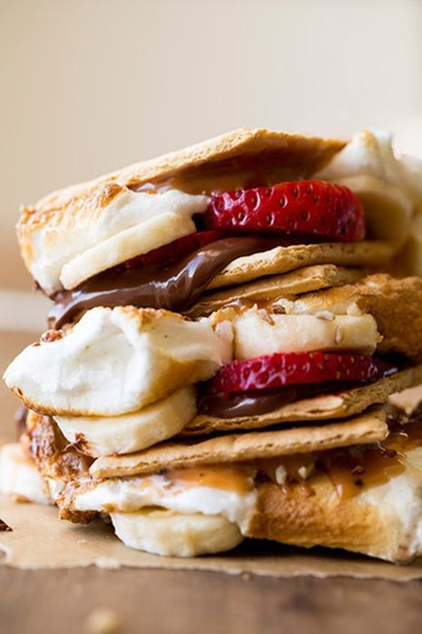 banana strawberry s mores