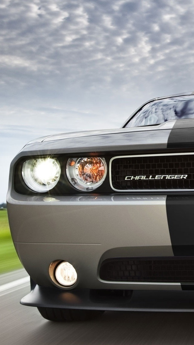 dodge challenger srt8 392