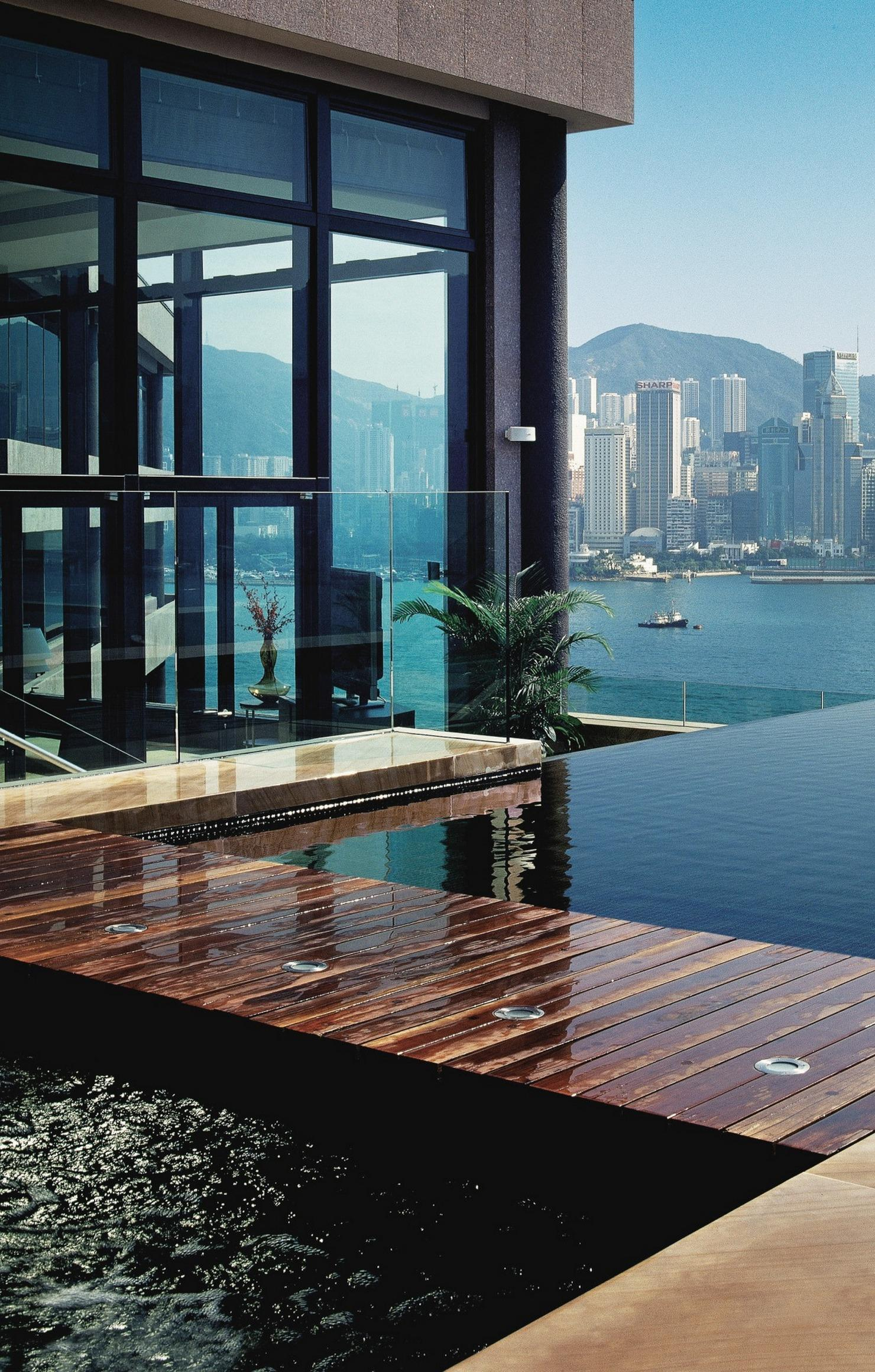 luxury house pool skuscrapers panoramic view retina