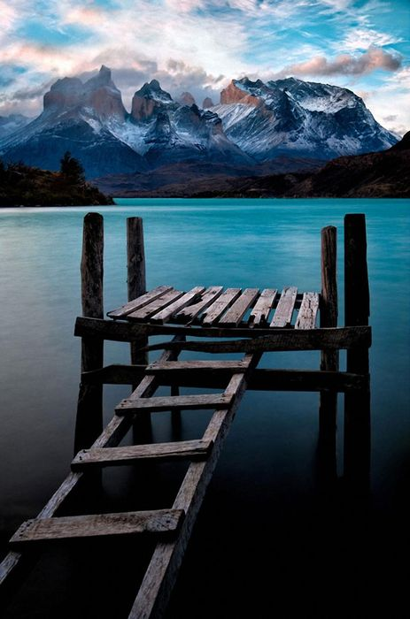 canada lake moraine cyan dais