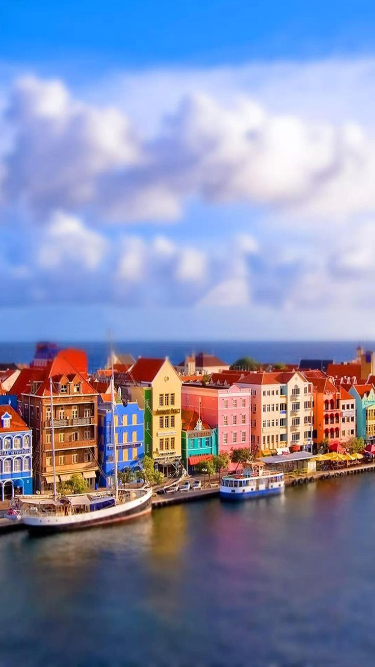 macro color houses river