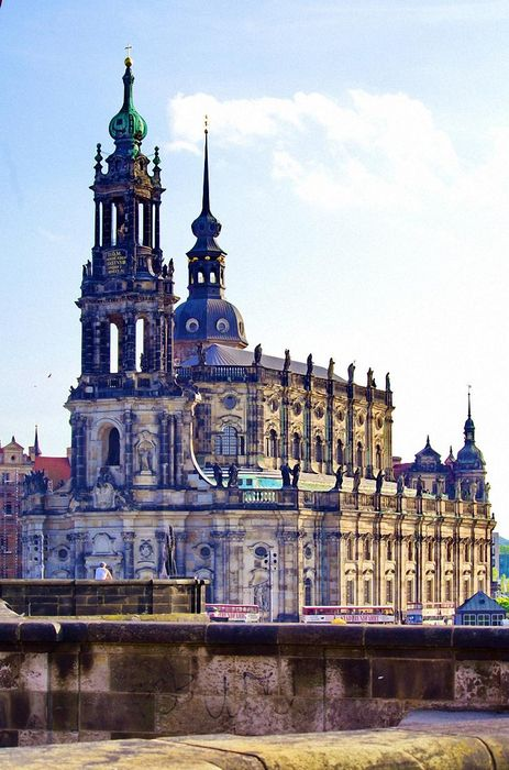 dresden katholische hofkirche church germany