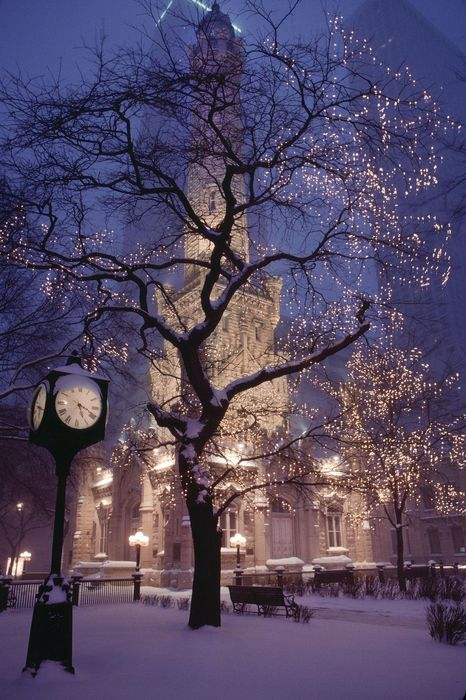 chicago water tower snow night christmas 1280x1920