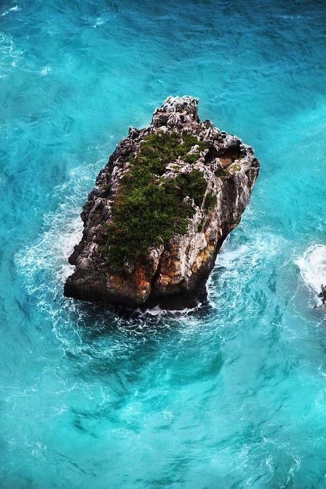 ocean stone blue water