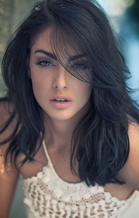 pretty brunette girl face model eyes retina