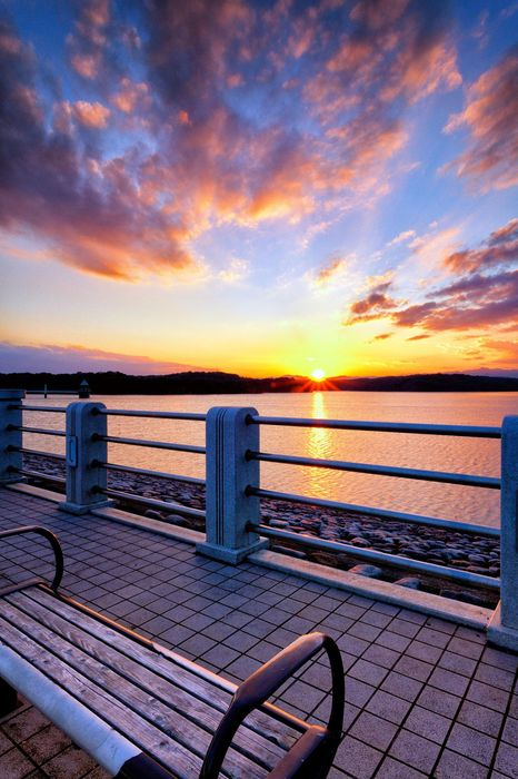 sunset bench cloud 1280x1920
