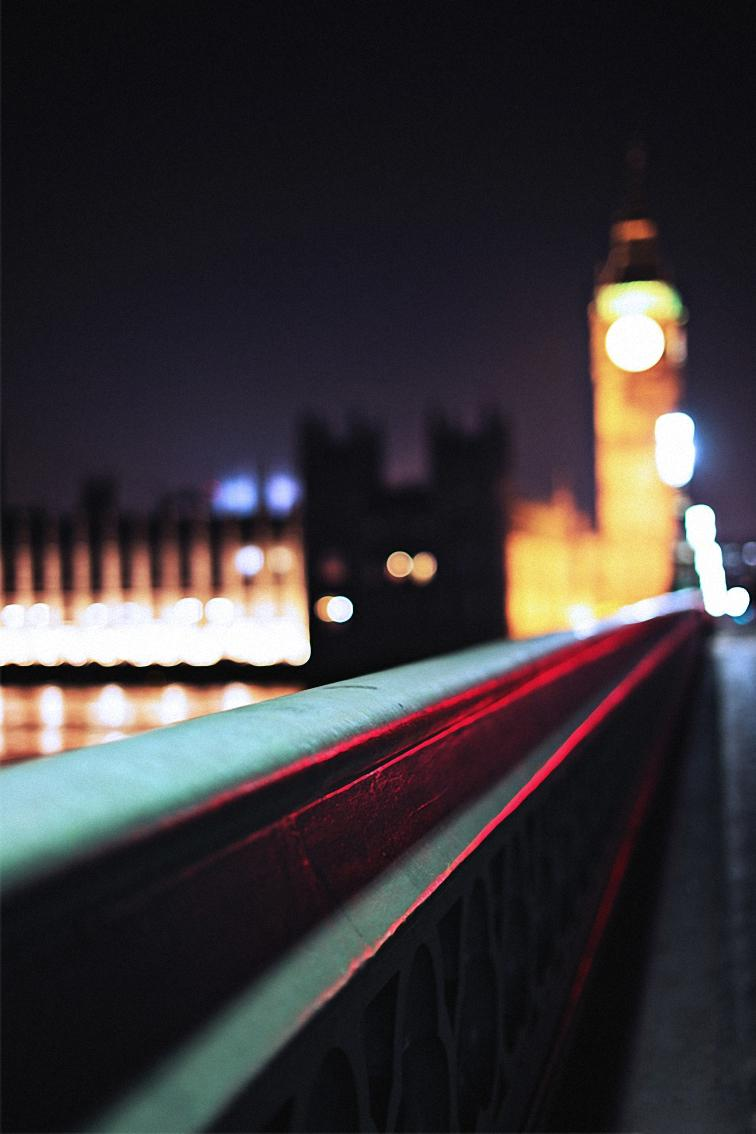 london bridge bokeh lights night
