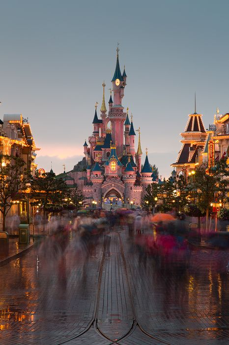 disneyland park sleeping beauty's castle