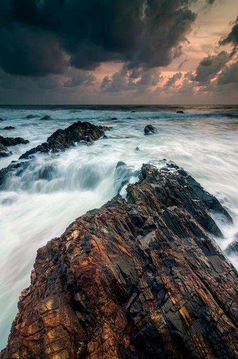 amazing ocean waves stones clouds