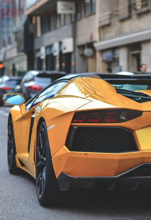 yellow aventador roadster