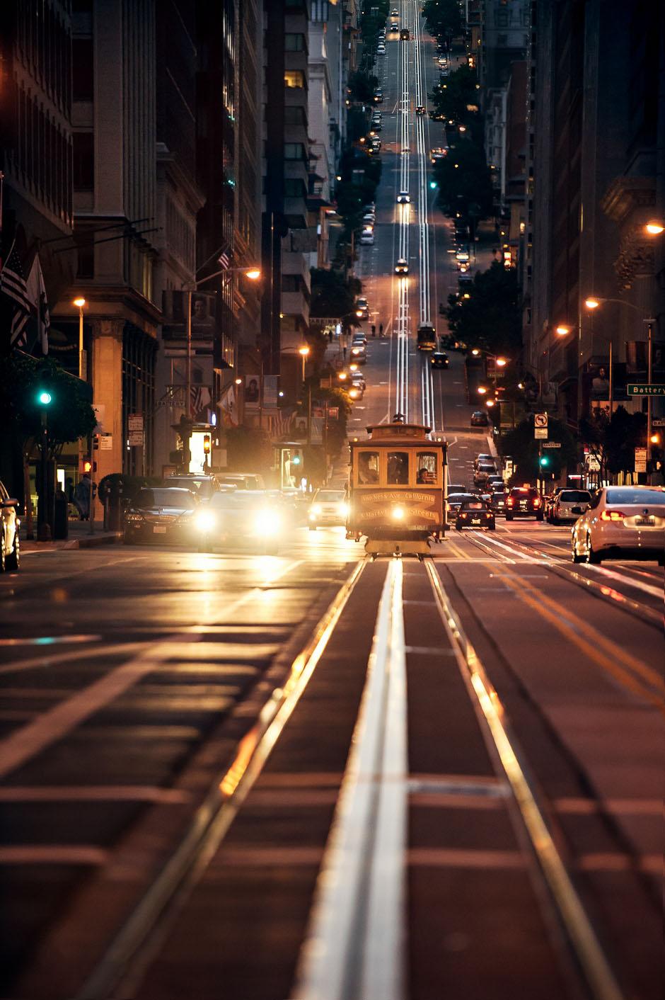 tram sanfrancisco night street