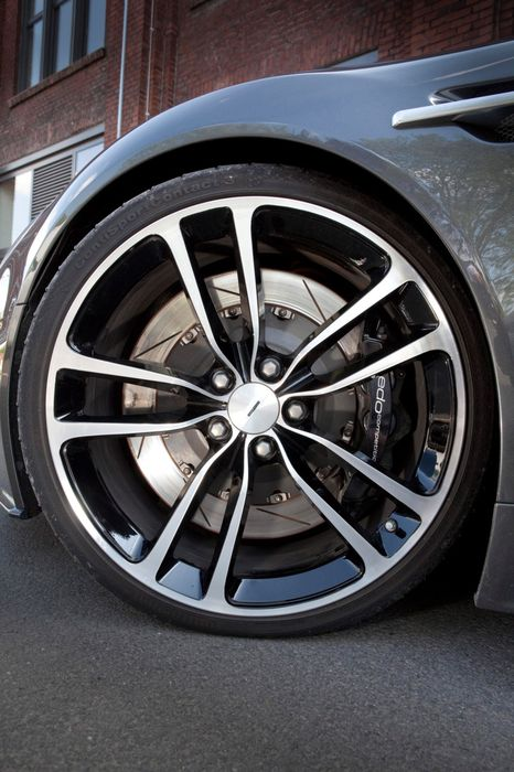 aston martin db9 wheels