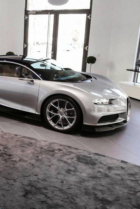 bugatti chiron boutique sportcar grey