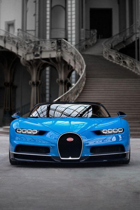 bugatti chiron blue sportcar wallpaper