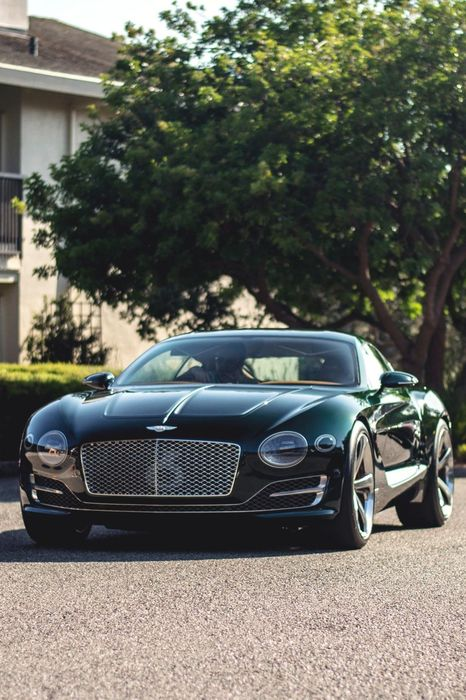 bentley  exp10 green supercar