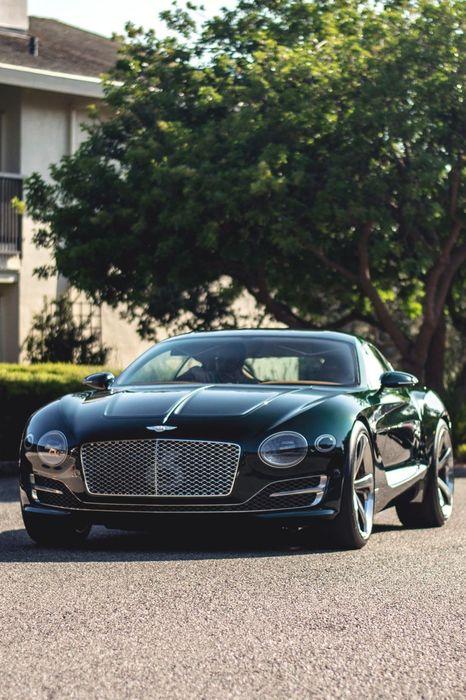 bentley  exp10 green supercar