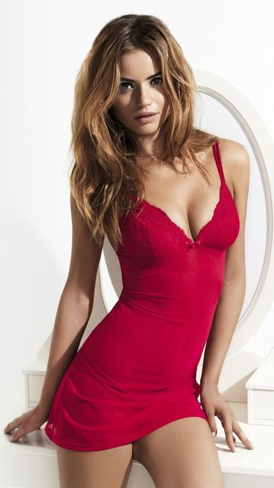 daniela freitas red dress model pretty girl