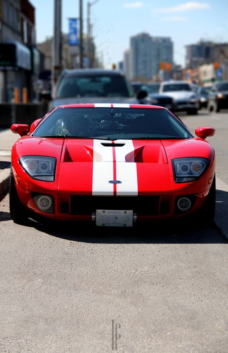 ford gt red street