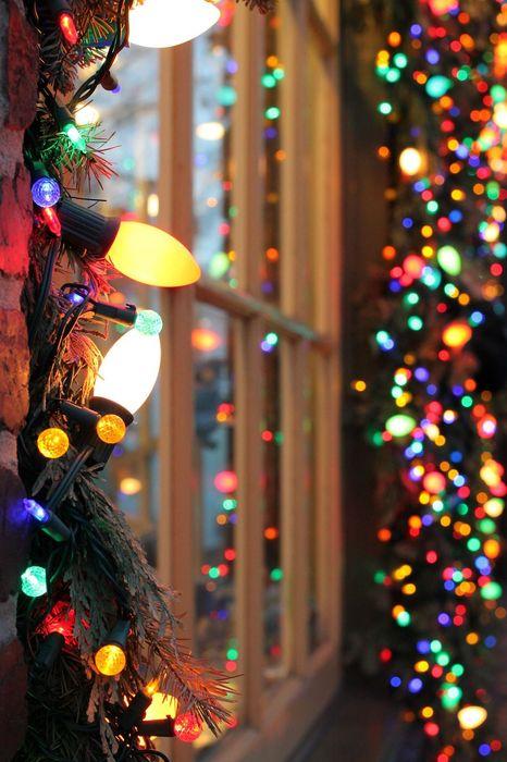 christmas window lights 1280x1920