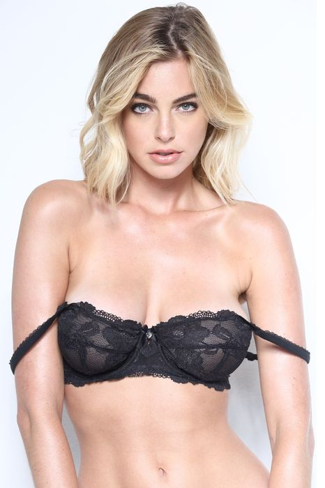 girl sexy elizabeth turner attractive model pretty adult hair underwear