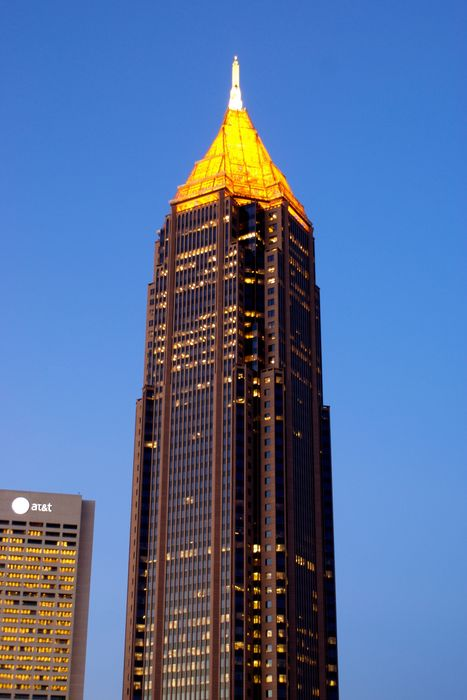 bank of america plaza atlanta night skyscraper