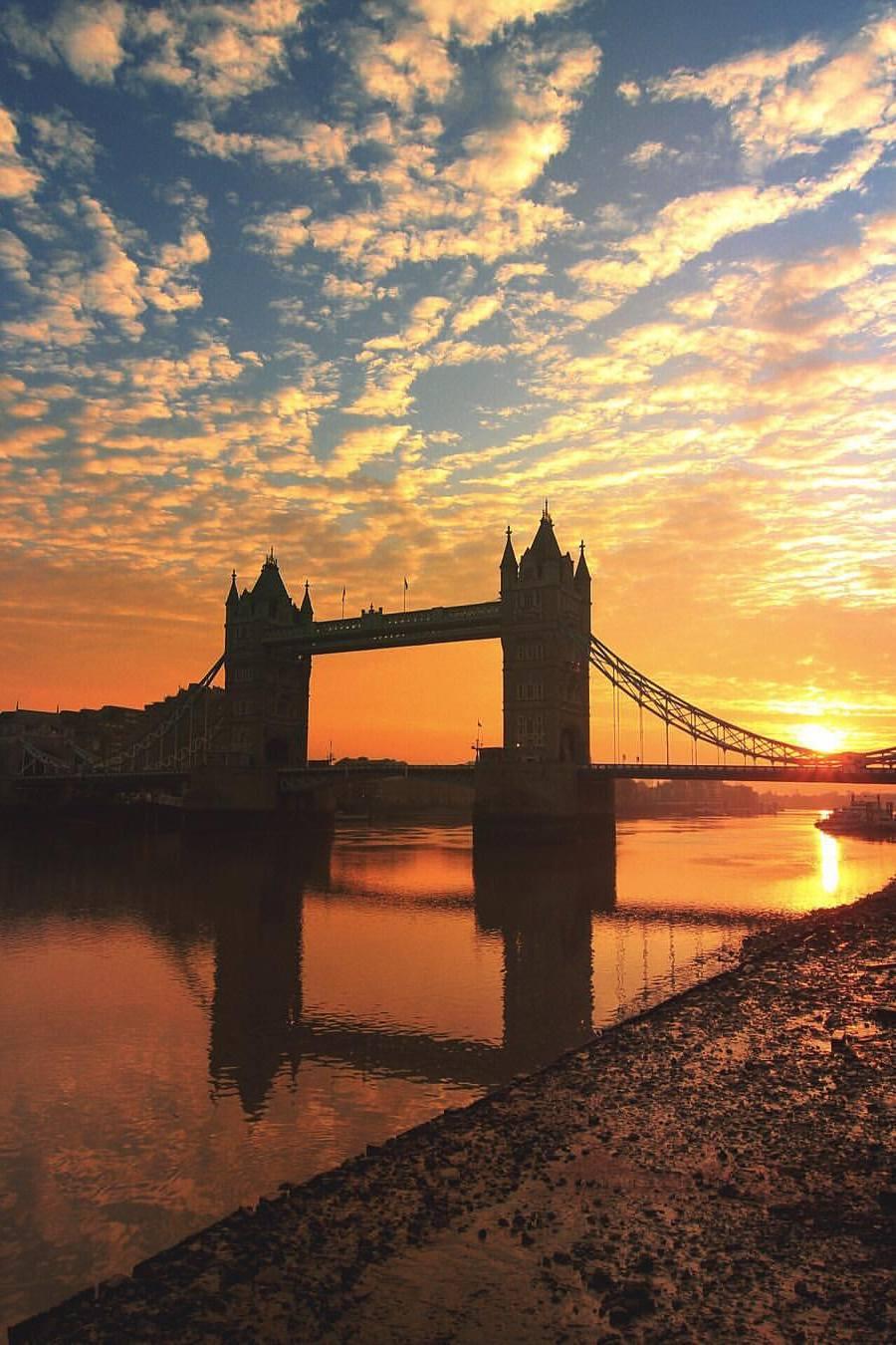 london tower bridge sunset clounds