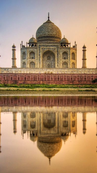taj mahal agra india water reflection