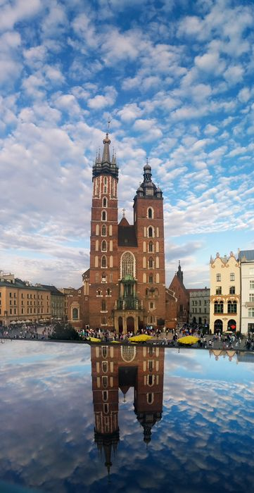 krakow marys church clouds reflection