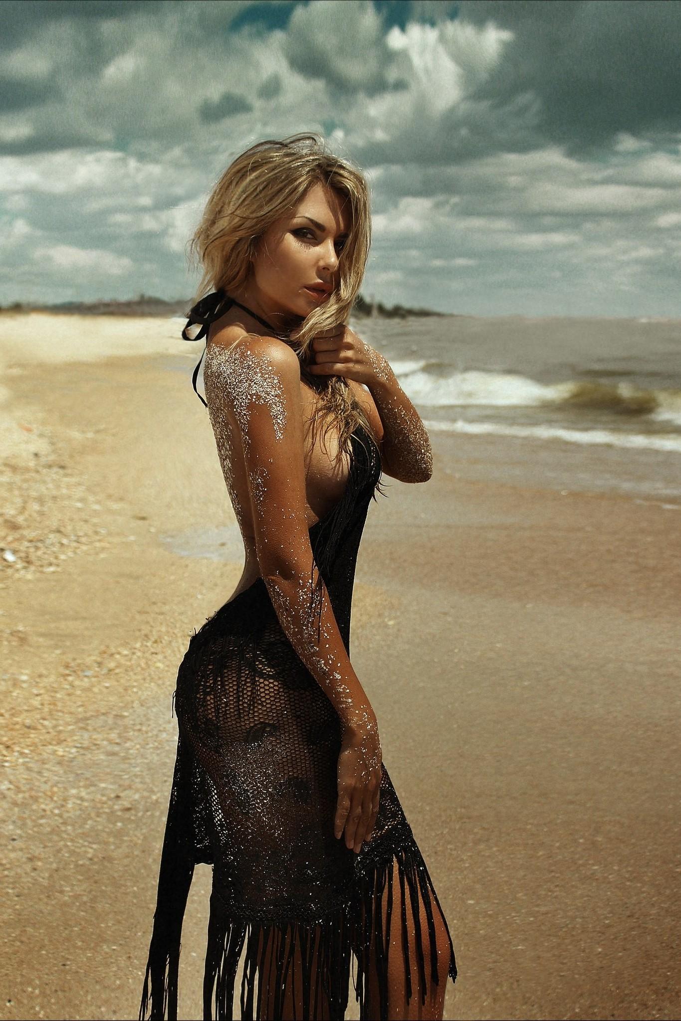 beach girl blonde sand sexy model clouds
