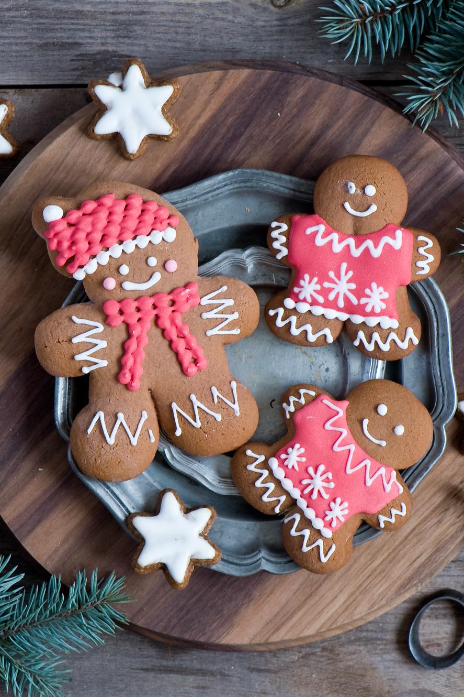 cookie brown pink plate