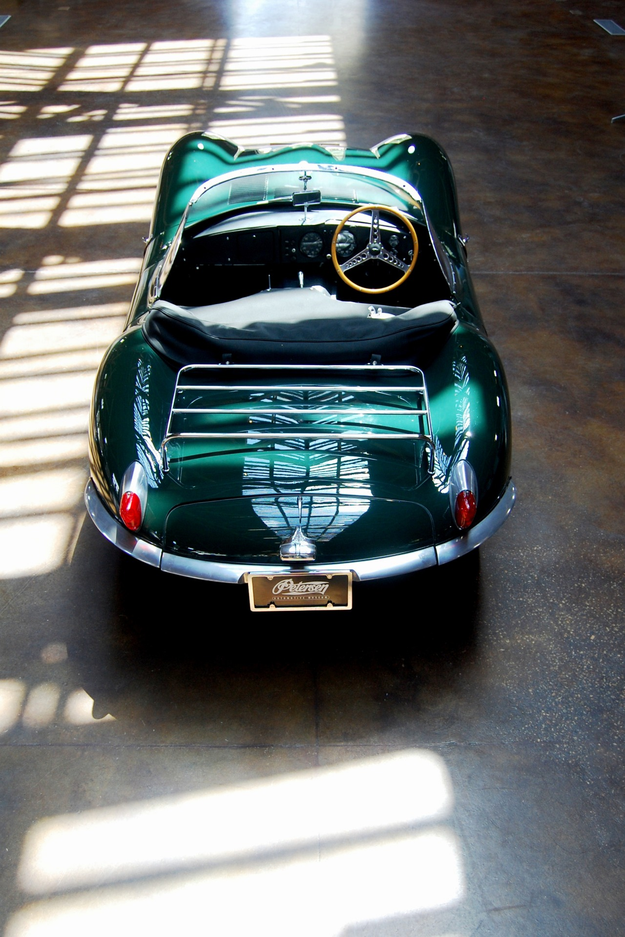 jaguar xkss green 1280x1920