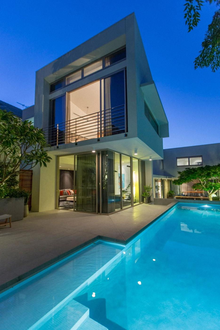 luxury house swimming pool modern design