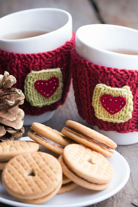 christmas mug sweaters cookie table 1280x1920