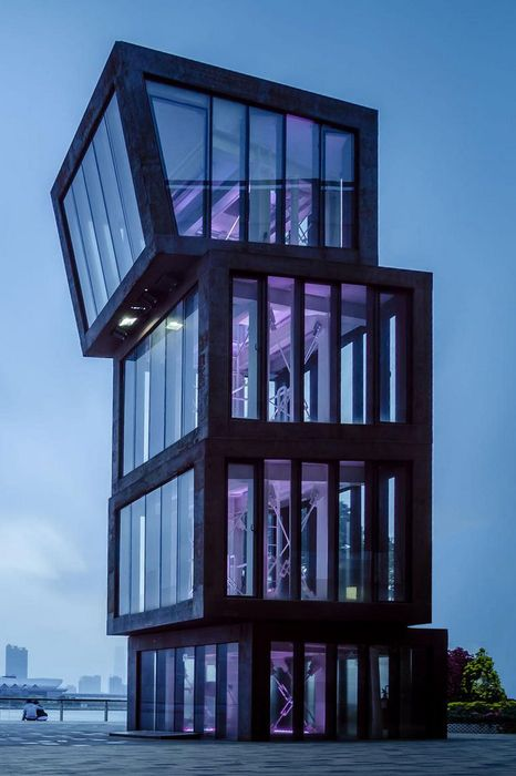 design architecture violet glass
